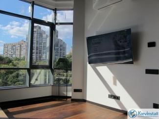 Установка телевизоров в домах и квартирах